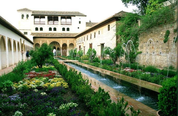 Alhambra y su conjunto monumental for Jardines de arabial granada