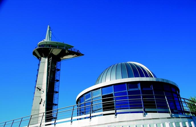 El museo es parte del skyline granadino - M a interiorismo cb granada ...