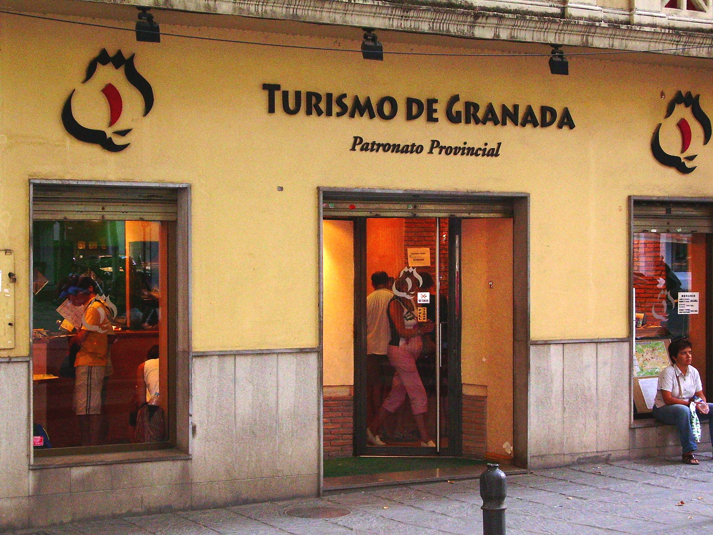 Oficina del patronato provincial de turismo for Oficina de turismo benasque